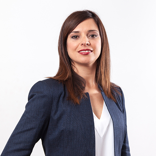 Isabel Hernández, Novalegal